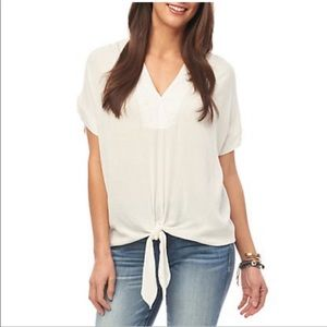 🌞Democracy ivory v-neck tie front blouse